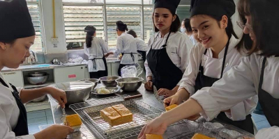 The English Program in Tourism and Hospitality Management (E-THM) of the Faculty of Management Sciences at PKRU developed students' skills and experience in baking n order to help prepare students for work and internships in the bakery departments of hote